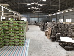Warehouse packing flooring tile 12 slats